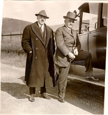 File:Sheriff Tom Finn taking Thomas J. Mooney to San Quentin Prison AAD-3179.jpg