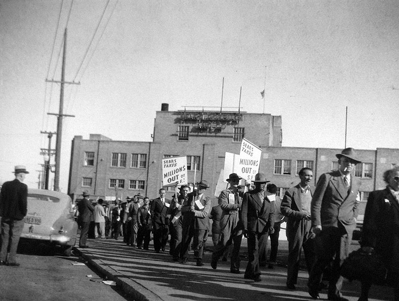 File:Sears-picket-line-c-1950s California-Labor-School-collection-at-Labor-Archives 6474.jpg