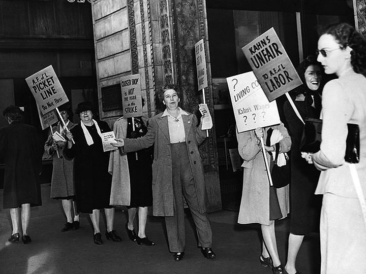 Oakland-1946-women-picket-line-Kahns 00735735a ih.jpg
