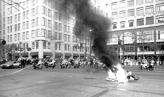 File:Downtwn1$king-riots-burning-motorcycle.jpg