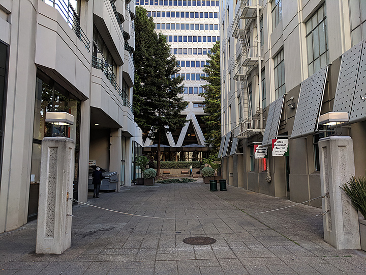 Mark-Twain-Place-formerly-Merchant-St 20180601 180756.jpg