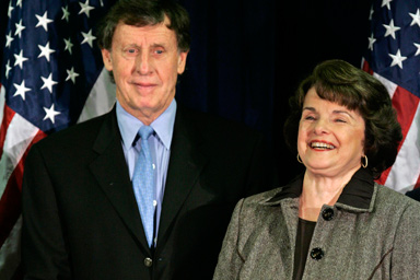 Sen dianne feinstein d calif smiles along with her husband richard blum left at a democratic election party in san francisco tuesday nov 7 2006.jpg