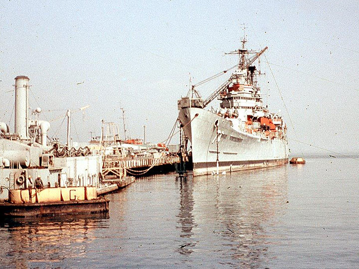 SF066 Destroyer-Hunters-Point.jpg