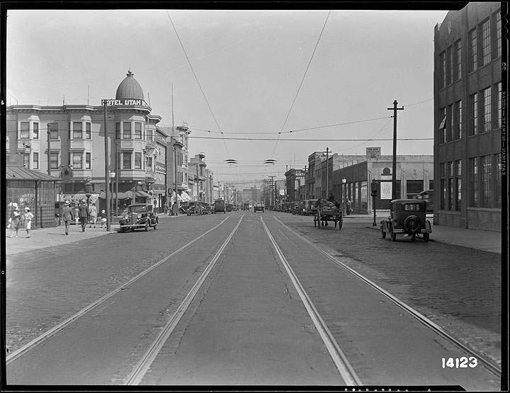 File:9th-and-Howard-Streets-Looking-South July-18-1933 U14123.jpg