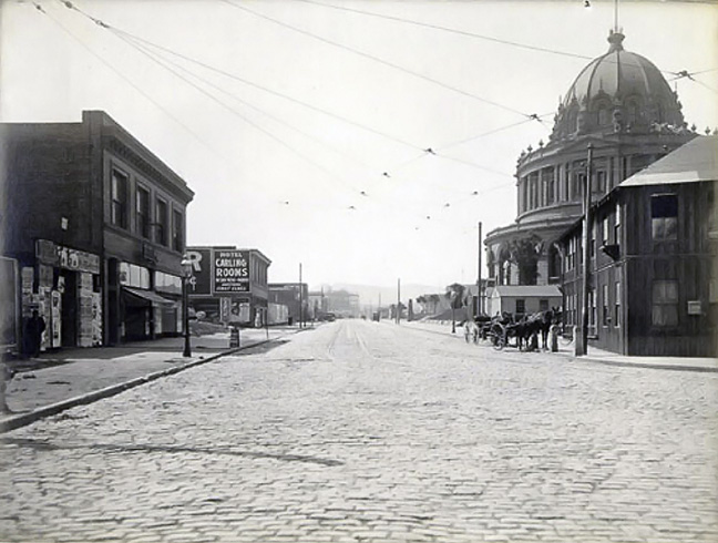 City-Hall-Avenue 1910.jpg