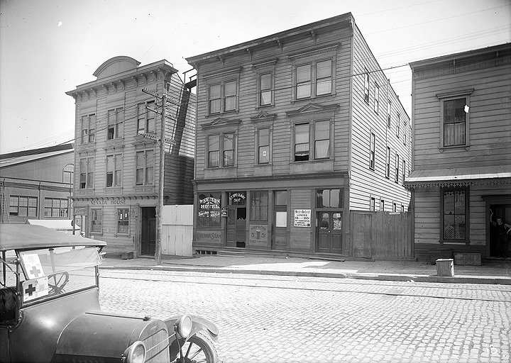 1918-view-from-north-side-of-20th-mid-block-looking-south fullview11.jpg