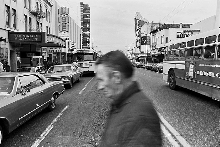Mission-St-south-from-22nd-with-old-man-walking-across 1214 Chuck-Gould.jpg
