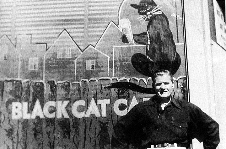 Image:James-MacGuiness.Pianist-Black-Cat--1965.jpg