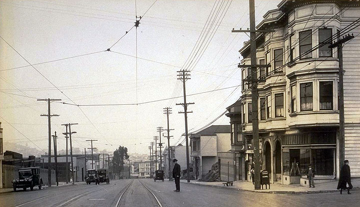 North-on-Mission-from-Highland-Ave.-Oct-12-1922.jpg