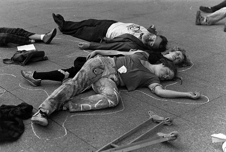 Image:Sf-die-in.jpg