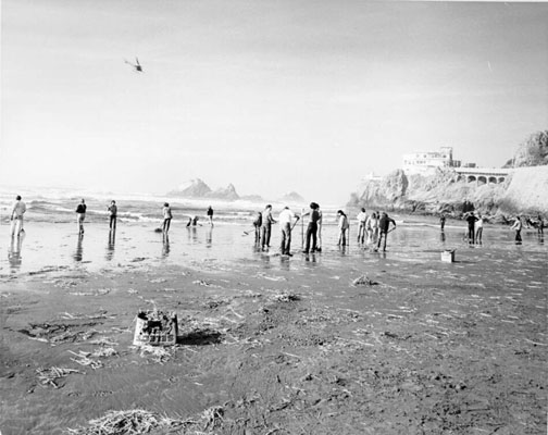 Oil spill cleanup ocean beach 1971 AAB-9967.jpg