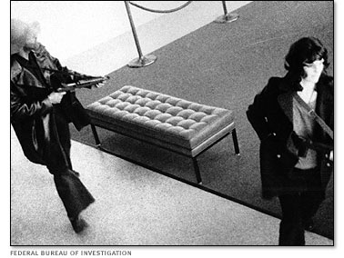 Patty Hearst takes part in the April 1974 Hiberna bank raid with other SLA members.jpg