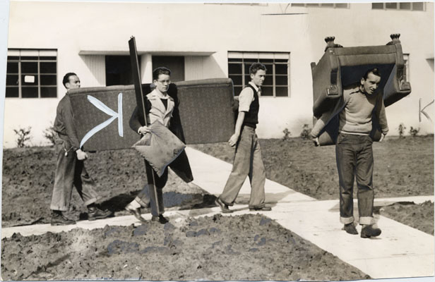 George Fern moving into the Sunnydale housing project March 3 1941 AAD-6118.jpg