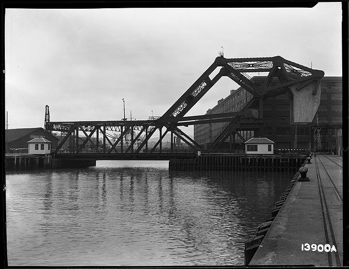 3rd-Street-Bridge-with-Bridge-Closed May-13-1933- U13900A.jpg