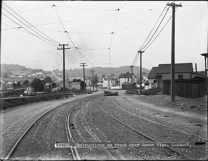 Track-Obstructions-near-Ocean-View-During-Strike- May-28-1907 U01282.jpg