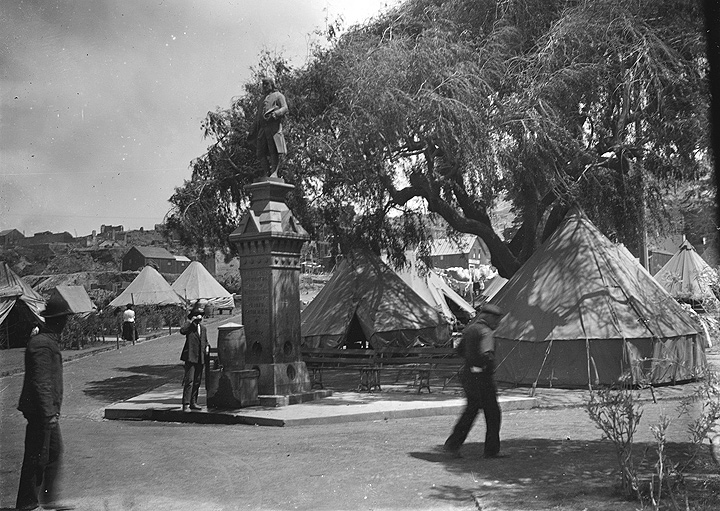 File:Figure-19-Washington-Square-1906-refugee-camp-with-tents.jpg
