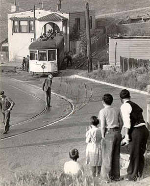 Scene-of-streetcar-accident-on-San-Bruno-Avenue-1936-AAC-8310.jpg