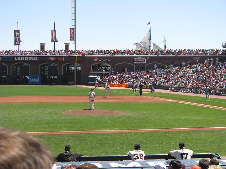Lincecum-pitches-w-tall-ship-behind-right-field-fence 1111.jpg