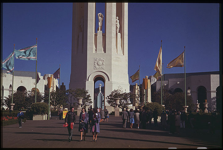 Image:Cushman-June-23-1940-Sunday-at-the-GGIE-Fair-P01881.jpg