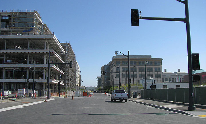 File:Mission-Bay-4th-St-before-opening-may-2009 9102.jpg