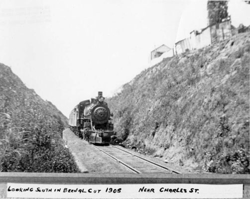 Looking south in Bernal Cut near Charles Street 1905 AAB-8697.jpg