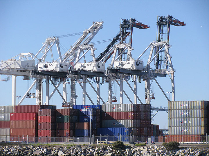 Containers-in-oakland 5359.jpg