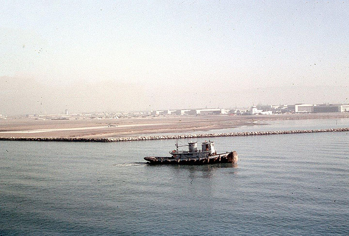 SF063 Tug-Boat-SF-Bay.jpg