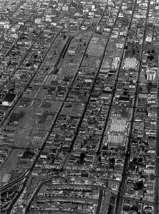 Image:1961-aerial-of-Western-Addition-A-1-clearance-looking-east.jpg