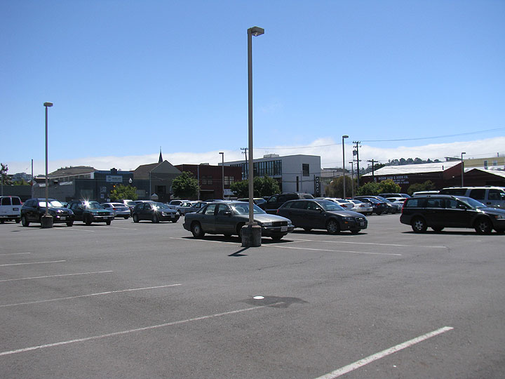 File:17th-and-Folsom-parking-lot-IMG 4069.jpg