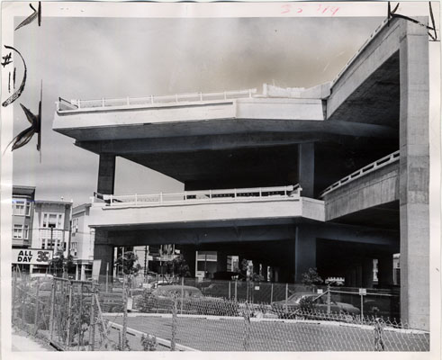 Central freeway at Fell and Octavia streets august 12 1965 AAK-1468.jpg