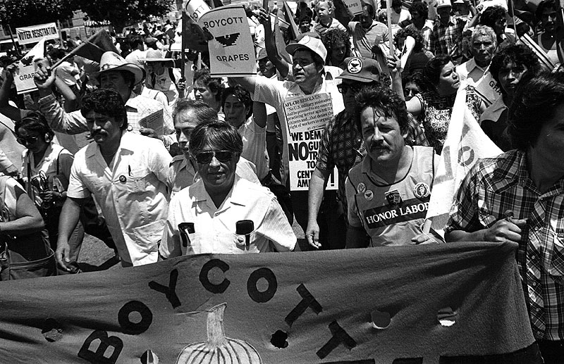 Cesar-chavez-leading-UFW-march-at-Democratic-National-Convention-San-Francisco-1984 Keith-Holmes.jpg