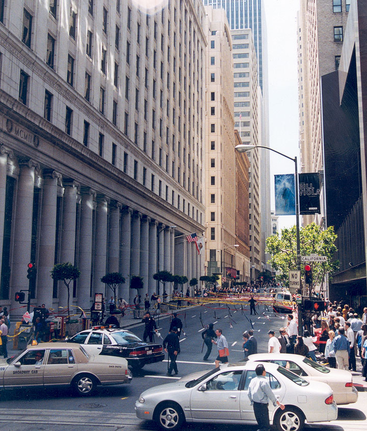 Wallstreetwest cops-and-ties-and-crowd-from-afar-6.jpg