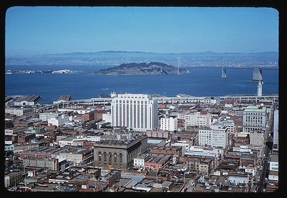 File:Cushman-April-22-1962-east-from-Fairmont-Hotel-incl-ferry-bldg-and-fwy-no-highrises-P12639.jpg