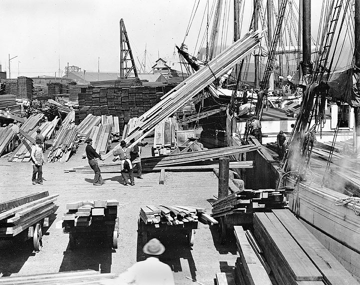 4-masted-schooner-Okanagan-unloading-at-Pope-and-Talbot-3rd-and-Berry-Streets-A12.727nl.jpg
