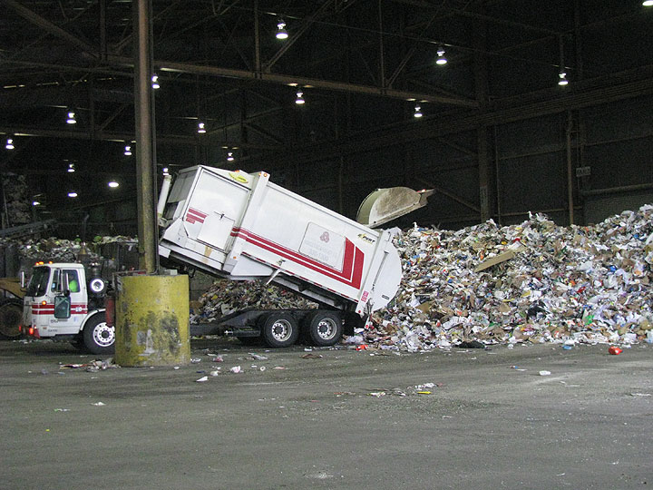 Truck-dumping-recyclables 6885.jpg