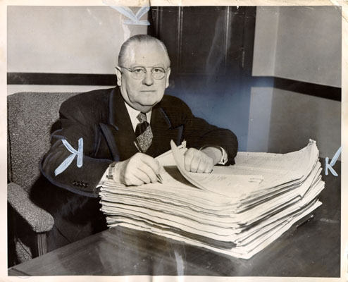 Elmer Robinson with city budget 1951 AAD-3266.jpg