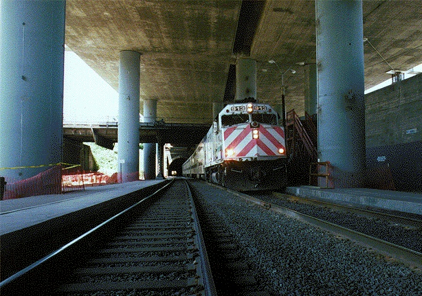File:Transit1$caltrain-at-22nd-st.jpg