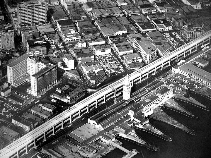 Embarcadero-freeway-on-waterfront-from-above-1960s.jpg
