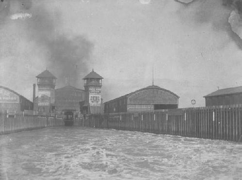Image:Oakland Mole ferry slip early 1900s. Source album 16 volume 5 number 65, Frank B. Rodolph Photograph Collection, BANC PIC 1905.17146-17161--PIC, The Bancroft Library. oakmole3.jpg