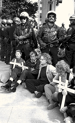 Polbhem1$pacifists-sit-in-1988-ern.jpg