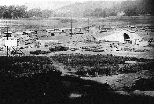 Image:West-portal-tunnel-under-construction-1917.jpg