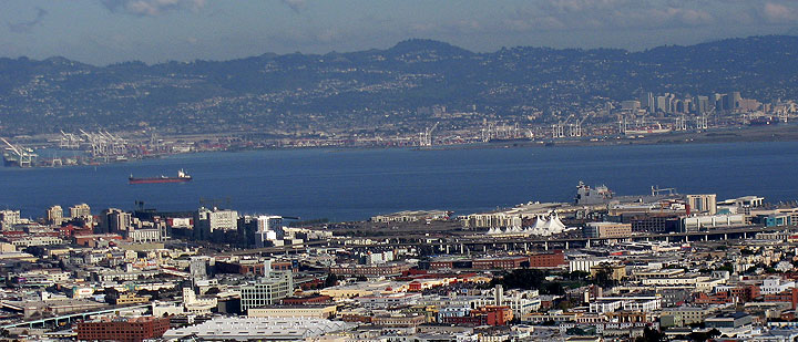 Image:Port-of-Oakland-across-from-Mission-Bay-as-seen-from-Twin-Peaks 2097.jpg
