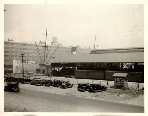 United Fruit company building 1930s AAC-7539.jpg