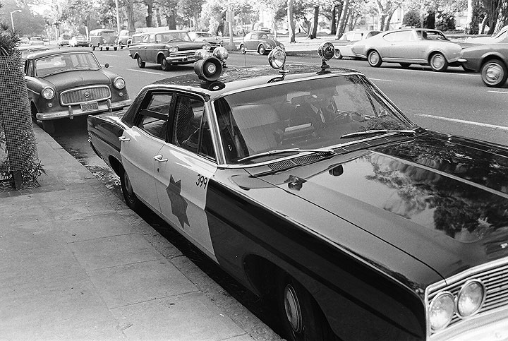 Sfpd-squad-car-by-Panhandle 00070003 Chuck-Gould.jpg