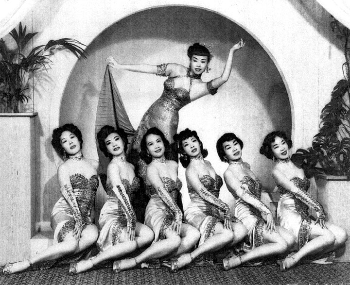 Mai-Tai-Sing-and-dancers-at-Forbidden-City-1940s.jpg