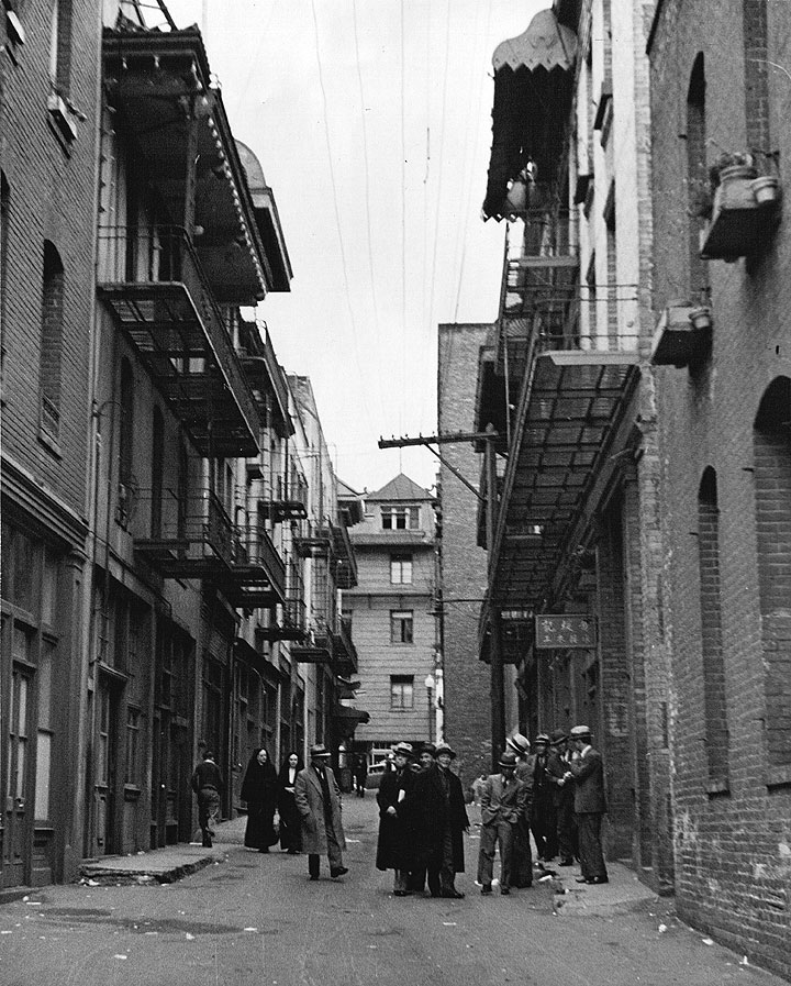 Chinatown-alley-1950s-courtesy-Jimmie-Shein.jpg