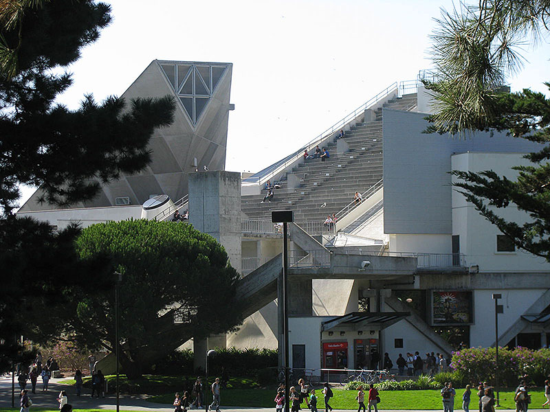 Sfsu student-union-from-north 4467.jpg