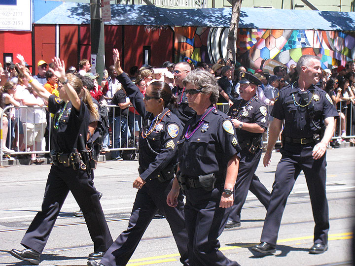 Sfpd-march-in-2011-pride-march 2391.jpg
