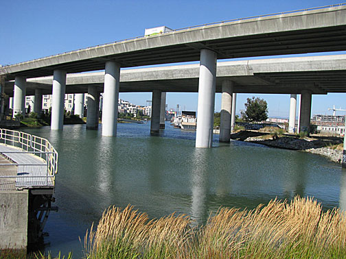 File:Mission-creek-start-and-fwy 3545.jpg