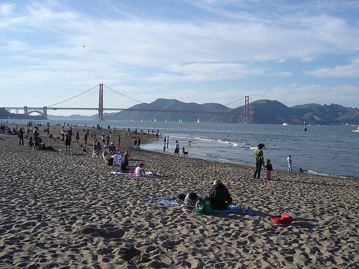 File:Gg-bridge-from-crissy-field-with-people-on-beach8008.jpg
